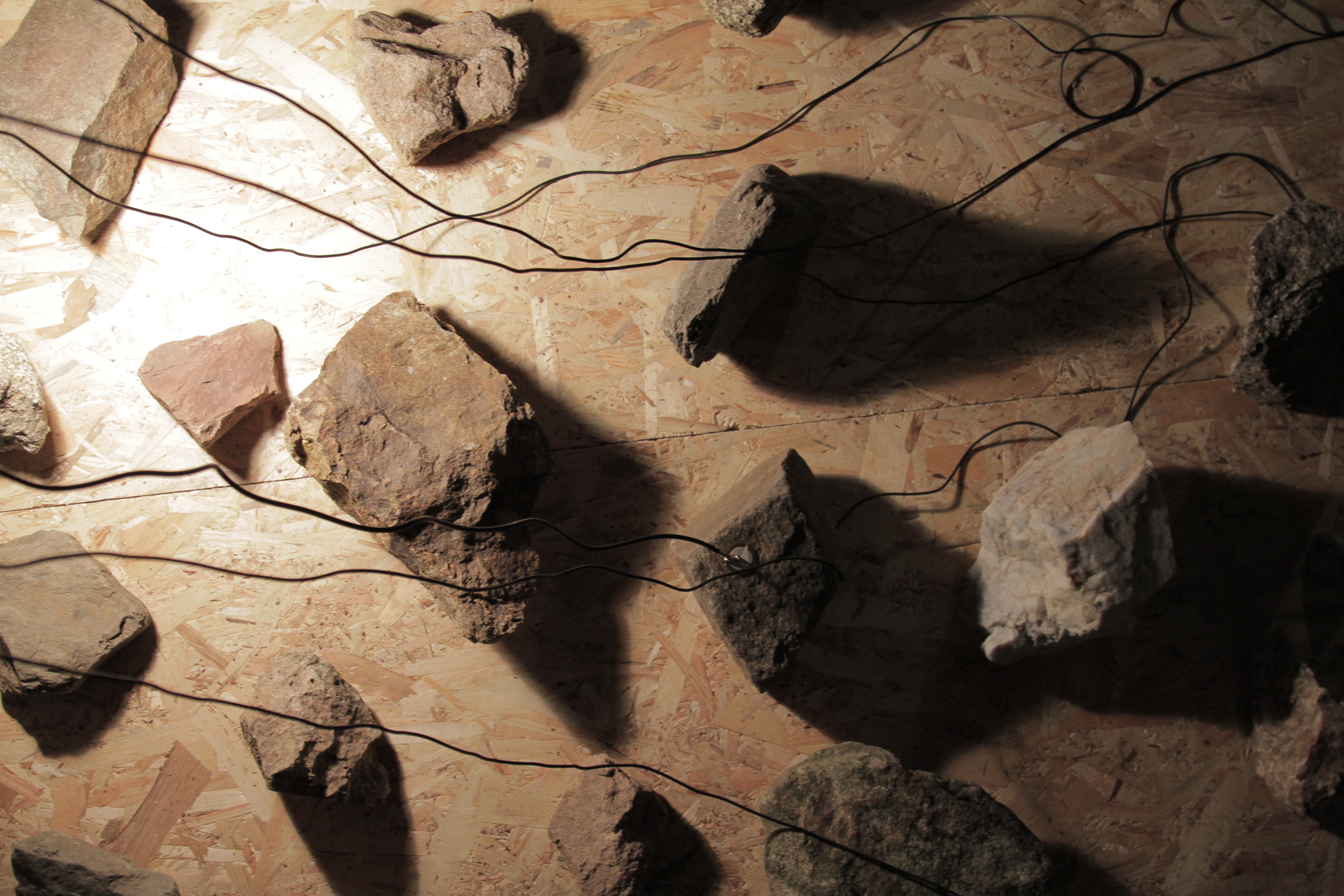 sound installation with rocks by Spanish artist Guillermo Moreno Mirallas
